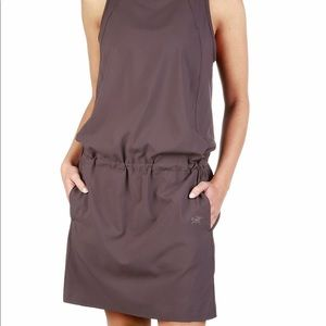 BNWT Arc'teryx Contents Dress - Sz Small